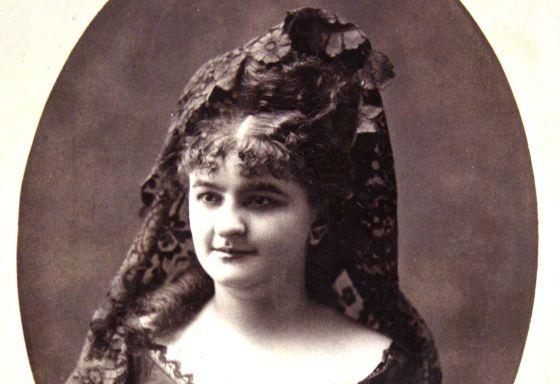 Emilia Pardo Bazán, en su juventud. Fuente.